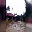 Вслед за цунами Индонезию накрыло мощное наводнение