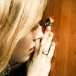 Преступник под видом сотрудника ЖЭСа проник в квартиру и обокрал девушку