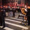 В центре Нью-Йорка автомобиль въехал в толпу демонстрантов
