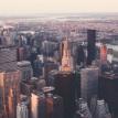 Власти штата Нью-Йорк разрешили жителям собираться группами до 10 человек