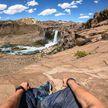Безумный трюк: американец спустился с 40-метрового водопада (ВИДЕО)