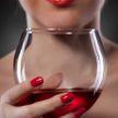 Бокал красного вина улучшает работу сердца: миф или правда?