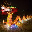 Храм Неба, драконы и лотосы: завораживающий Фестиваль гигантских китайских фонарей проходит в Минске