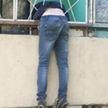 Мужчина забыл ключи от дома, полез через балкон и застрял