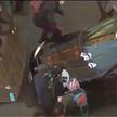 В Сиэтле автомобилист въехал в толпу протестующих и открыл по ним огонь