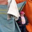 На свалке в Одессе нашли маленькую девочку, оставленную там отцом