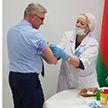 Министр здравоохранения Валерий Малашко привился от гриппа: в стране стартовала массовая вакцинация