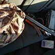 Гомельчанин с ружьём устроил охоту в деревне и был задержан милицией