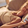 Куда лучше всего класть мобильный телефон во время сна? Отвечают эксперты