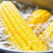 Чтобы кукуруза была сочной, варить ее нужно именно так! Смотрите – проверенный способ!
