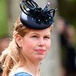 Как живет самая скромная внучка Елизаветы II?