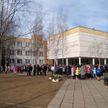 Учеников и преподавателей минской школы эвакуировали из-за пожара