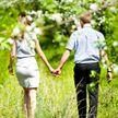 Влюбленных людей можно узнать по походке