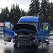 Белорусский микроавтобус перевернулся в Ленинградской области: два человека погибли