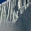 Ниагарский водопад покрылся льдом