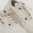 Старые кроссовки Apple продали за 16 тысяч долларов