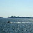 7 человек спасли с горящего катера в Канаде