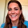 Кейт Миддлтон в обычной трикотажной кофточке восхитила поклонников во время виртуального визита в родильное отделение