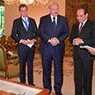 Александр Лукашенко и Абдель Фаттах ас-Сиси обменялись подарками