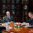 Лукашенко поддержал проект указа по зарплатам работников бюджетной сферы