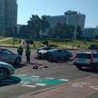 Авария на проспекте Победителей:  Volkswagen Polo столкнулся с Mercedes