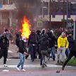 Стычки с полицией и разгон демонстрантов водометами: волна протестов охватила Европу