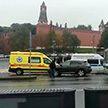 Водитель автомобиля угрожает взорвать газовый баллон у стен Кремля в Москве