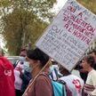 Во Франции непривитых медиков отстранят от работы