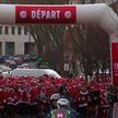 Санта-Клаусы устроили массовый забег в пригороде Парижа