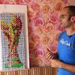 Энтузиаст из Могилёва собрал главный трофей ЧМ, используя кубики Рубика