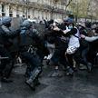 Очередная протестная суббота во Франции: водомёты, газ и жёсткие задержания