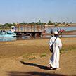 Грузовик с пассажирами упал в реку в Мали, десятки погибших