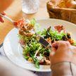 8 ч можно есть и 16 ч – нельзя: как похудеть без занятий спортом? Рассказывает врач