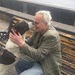 Дедушка нашёл свою собаку на улице спустя три года