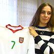 Самая большая коллекция футбольной атрибутики попала в белорусскую книгу рекордов Гиннеса: заядлый болельщик – девушка
