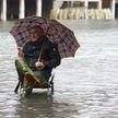 Итальянские власти обратились к миру с просьбой спасти Венецию