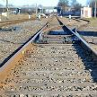 Неизвестные установили проволоку на ж/д рельсы в Минском районе, поезд экстренно затормозил (ВИДЕО)