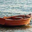 Женщину унесло в открытый океан, она выжила благодаря леденцам