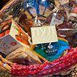 Лукашенко привез в подарок Путину корзину белорусских продуктов – ФОТО