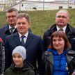Игорь Петришенко посетил многодетную семью в Минске