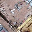 Рабочий погиб на стройплощадке под Минском: ему на голову с 30-метровой высоты упал электрический датчик