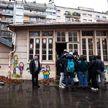 В Париже мигранты заняли здание бывшего детского сада, чтобы обратить внимание властей на свои требования