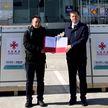 Китай отправил Беларуси 100 тысяч бесплатных доз вакцины от COVID-19