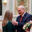 Лукашенко вручил государственные награды и генеральские погоны во Дворце Независимости
