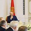 Лукашенко: бросили старые фермы, на крышах растут деревья – памятник бесхозяйственности