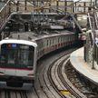 Поезд сошел с рельсов в Токио