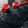 В Екатеринбурге горели жилой дом и шиномонтажная мастерская, спасены трое детей