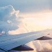 Авиакомпания United Airlines уволит около 600 сотрудников, которые отказались прививаться от COVID-19