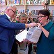 Пострадавшая от пожара библиотека в деревне Климовка получила новые книги