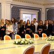 Участницы конкурса «Мисс-Беларусь» и их семьи посетили Дворец Независимости
